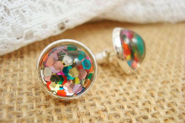 05-confetti-subtle-ways-sparkle-new-years-outfit