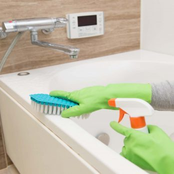 How to Clean Your Bathroom in 5 Minutes or Less