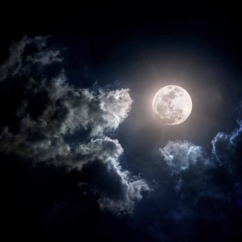 7 Myths About Full Moons You Can Safely Ignore