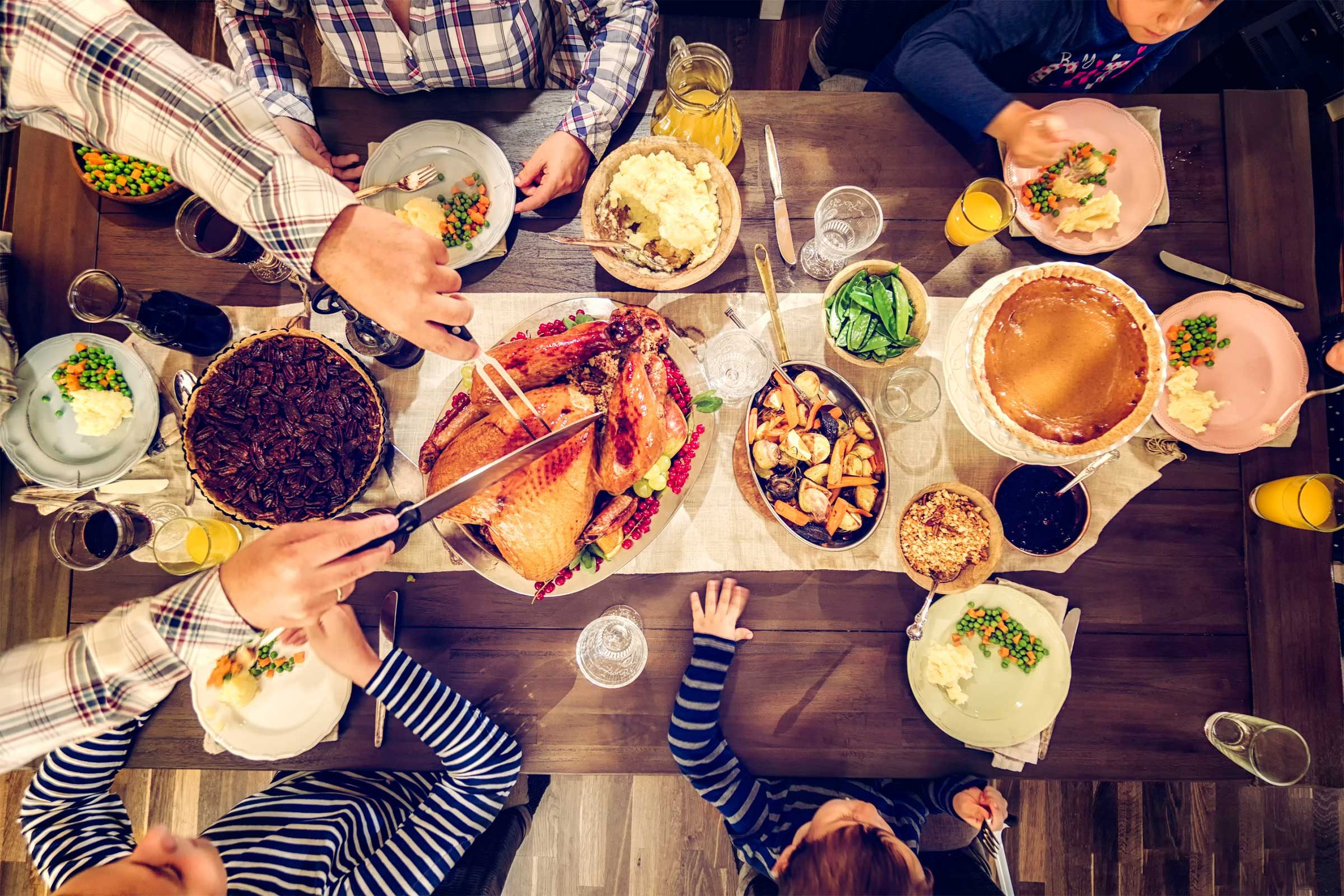 These are Things You Should Never, Ever Discuss at Thanksgiving Dinner