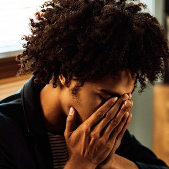 10 Clear Signs You're Having a Panic Attack