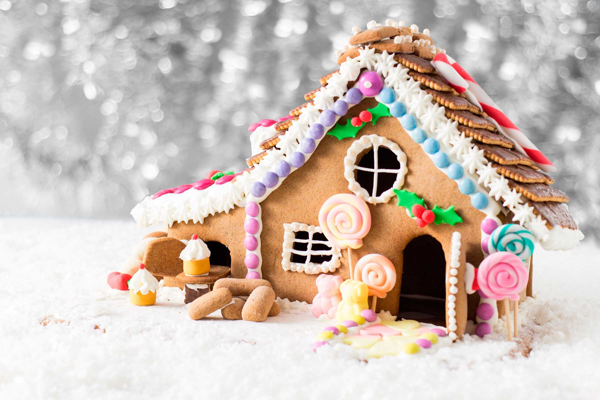 Gingerbread House Ideas And Decorating Tips Reader S Digest
