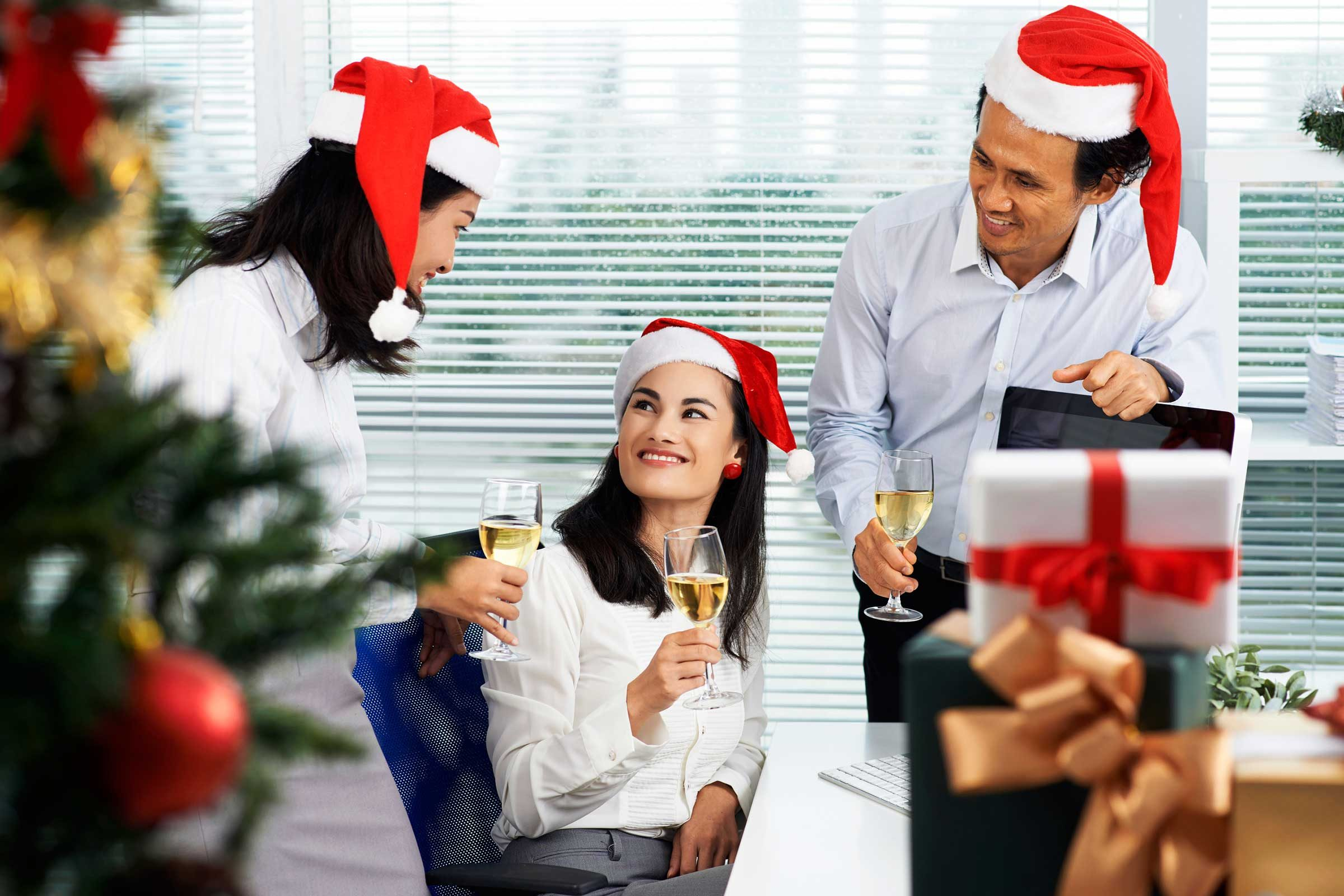 office party etiquette I often receive questions regarding the protocol for handling birthday celebrations in an office  ask the etiquette expert: office  party may be a.