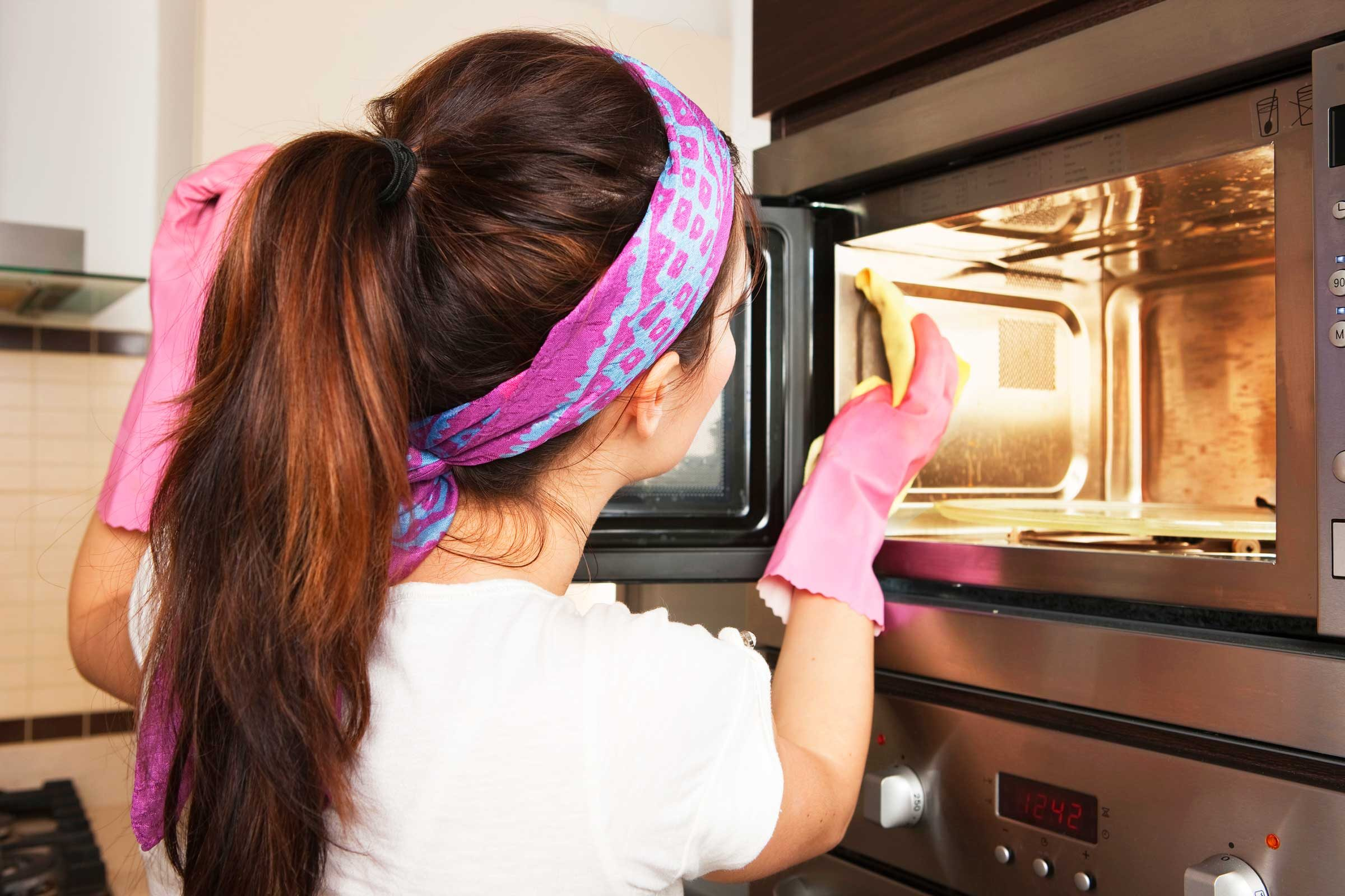 Ways You Re Using Your Microwave Wrong Reader S Digest