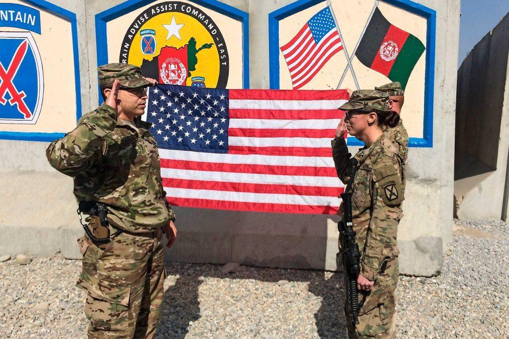bugler-honored-fallen-veterans-country-extra