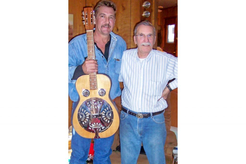 this-father-gave-his-family-handmade-guitars-for-christmas-1