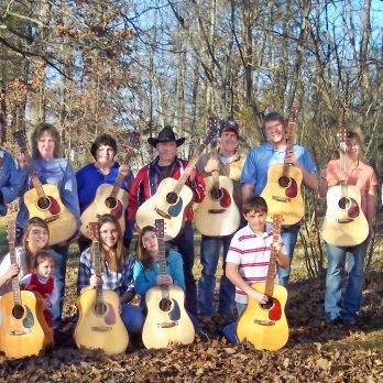 Wow! This Dad Made Handmade Guitars for His Whole Family for Christmas