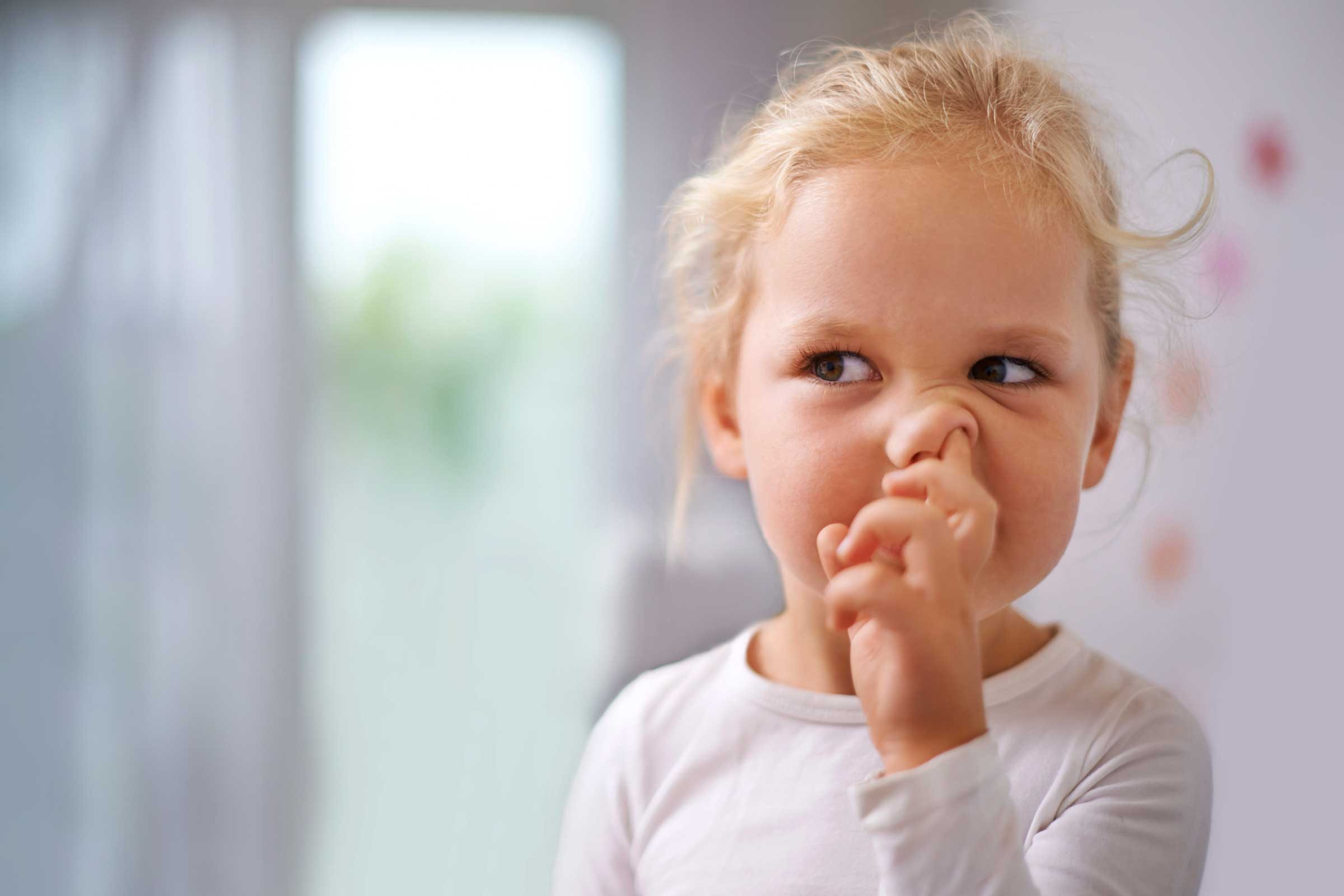 Ребёнок грызёт ногти как отучить комаровский