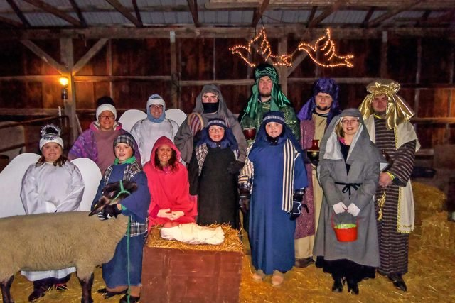 family-participate-in-a-live-nativity-every-year