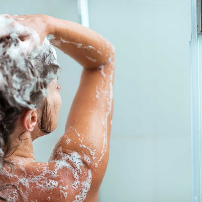 Thinning Hair? Doctors Recommend This At-Home Trick