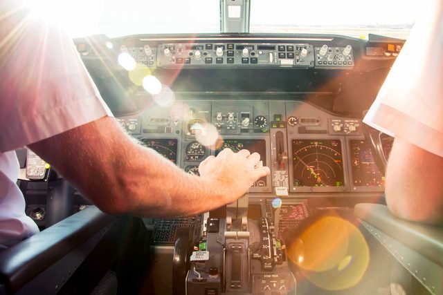 things_still_get_for_free_airplane_cockpit_tour