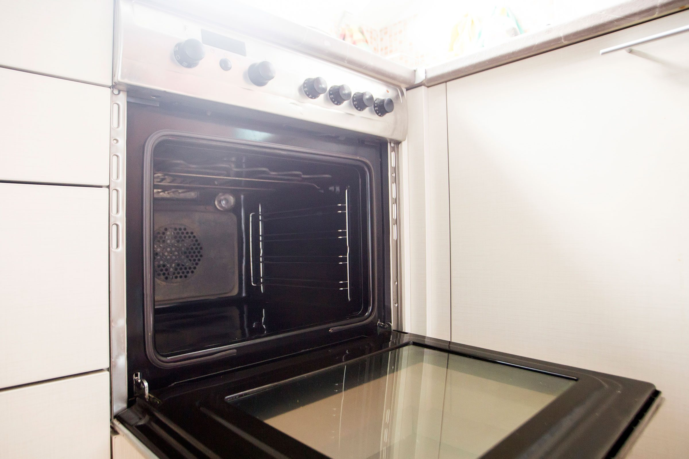 Self Cleaning Ovens What To Know Before Using Yours Readers Digest