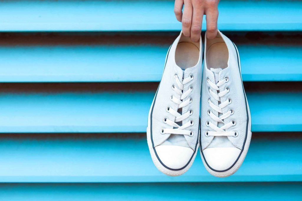 How to clean white canvas sneakers. game-changing_hacks_cleaning_white_sneakers_white_canvas