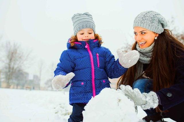 how_build_perfect_snowman_best_practices_flatten_ball
