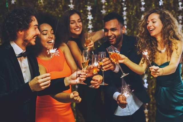 toasting_etiquette_tip_need_new_years_eve_new_years