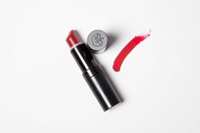 A Makeup Artist's Trick for Picking The Perfect Red Lipstick-MC