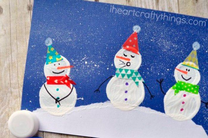 bottle-cap-printed-snowman-craft-2-536x750-iheartcraftythings-com