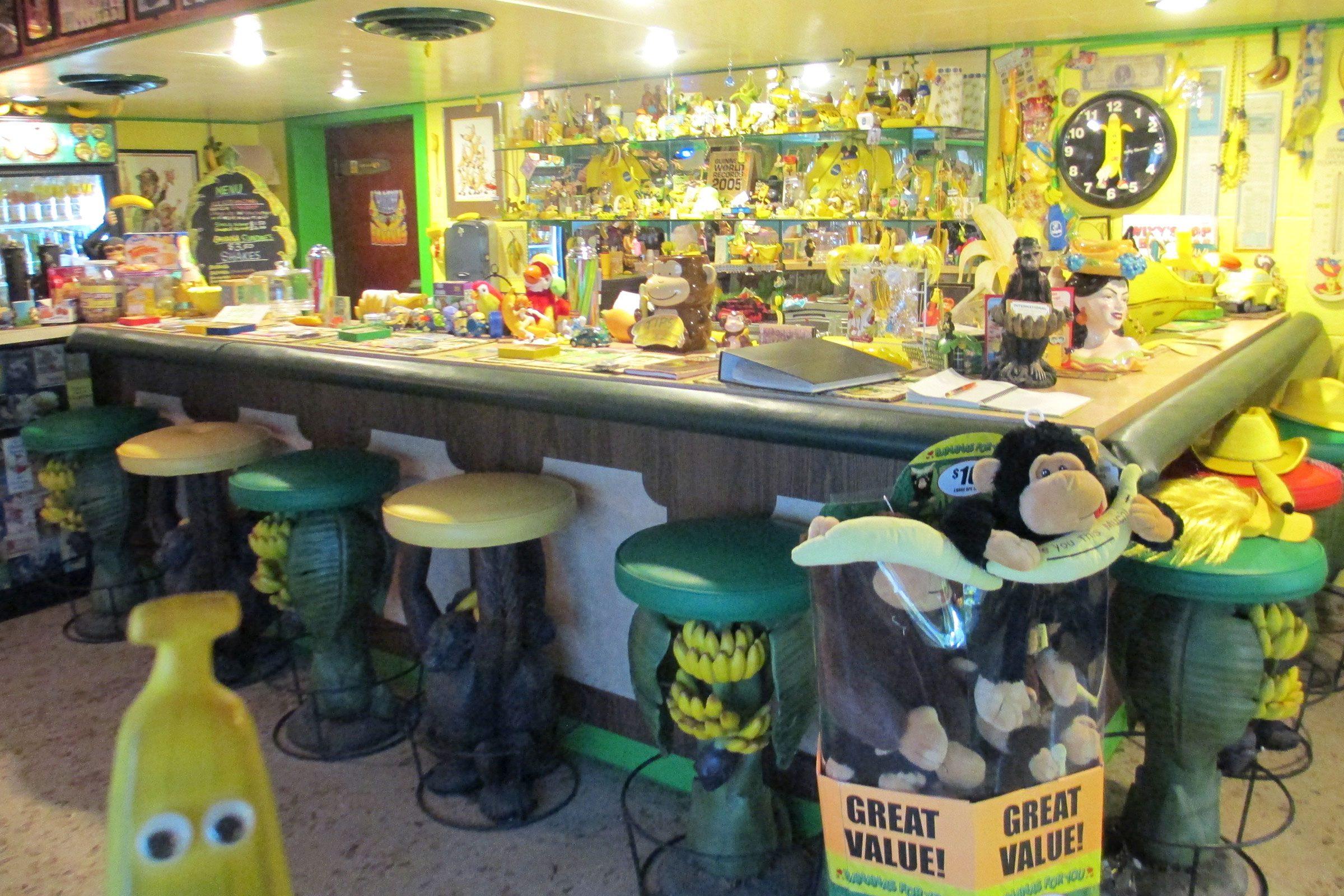 weird-museums-banana-museum