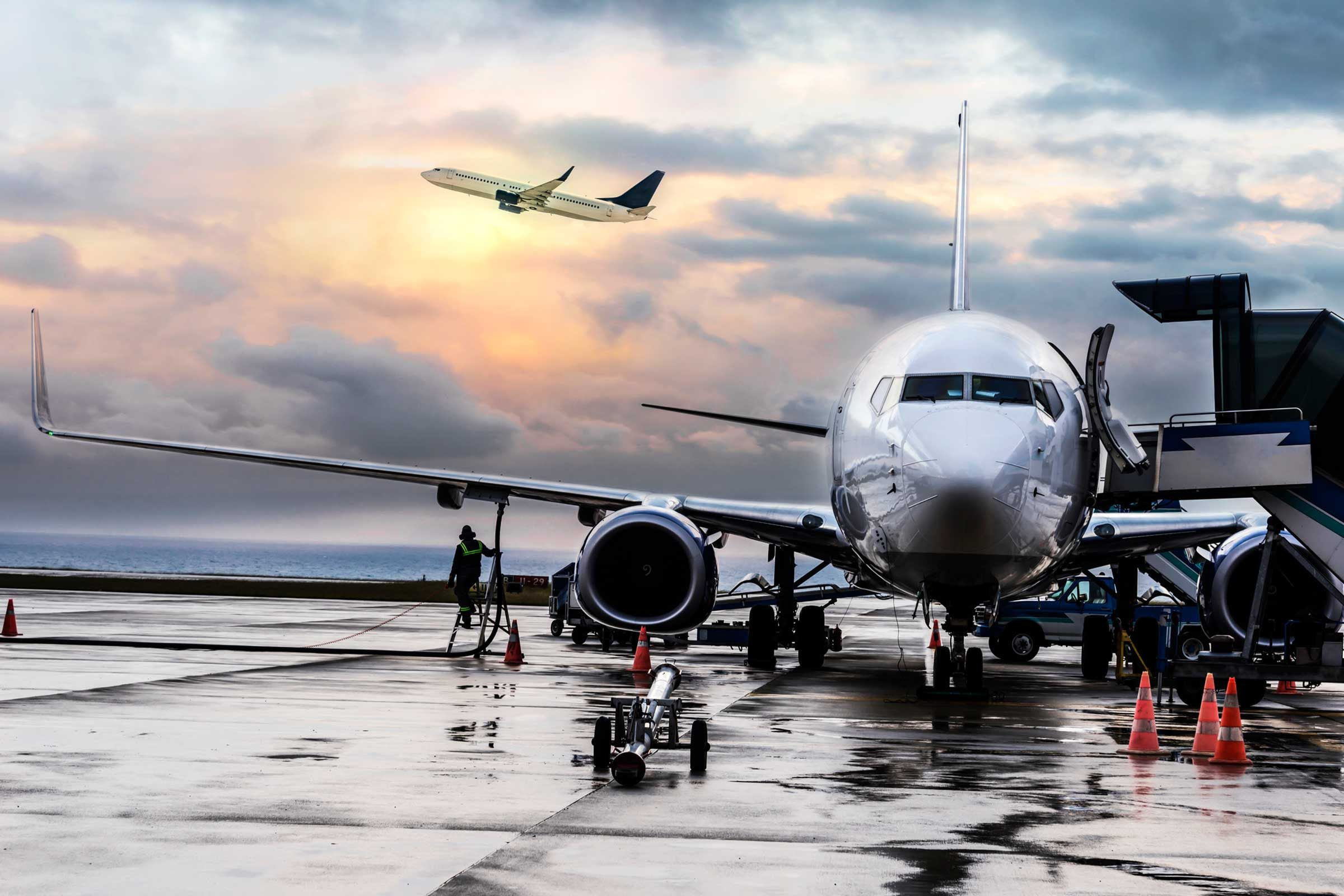 why airplanes dim the lights before takeoff reader u0027s digest