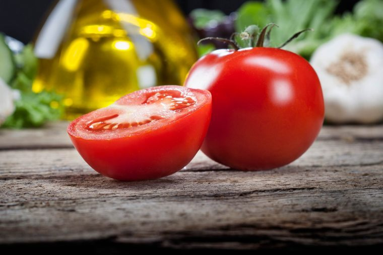 010_tomato_fresh_foods_never_store_together_