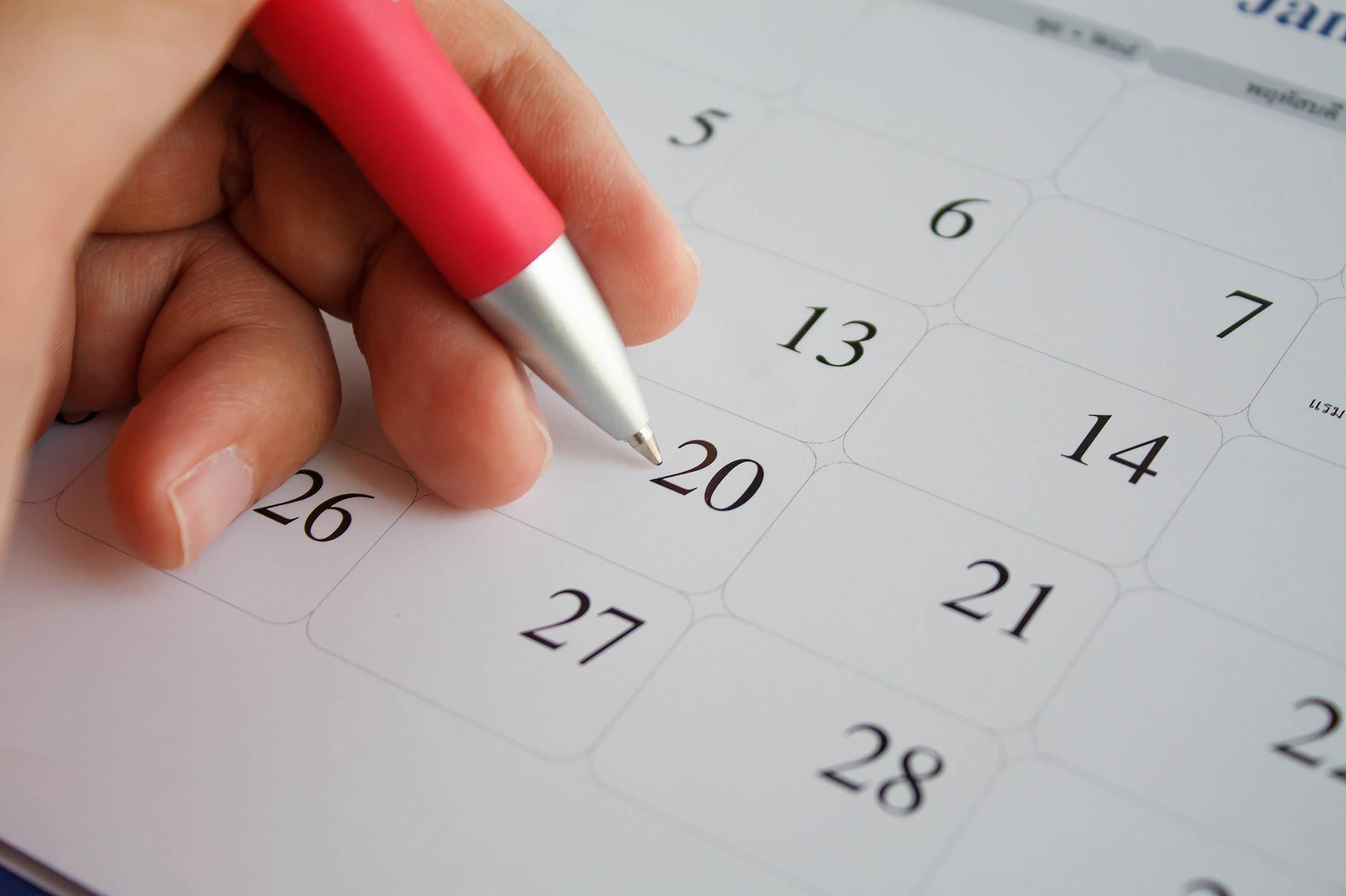01_Calendar_Your_PMS_Survival_Guide_