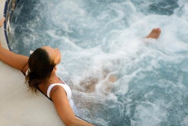 01_Hottub_Reasons_your_relaxing_in_hot_tubs_Is_