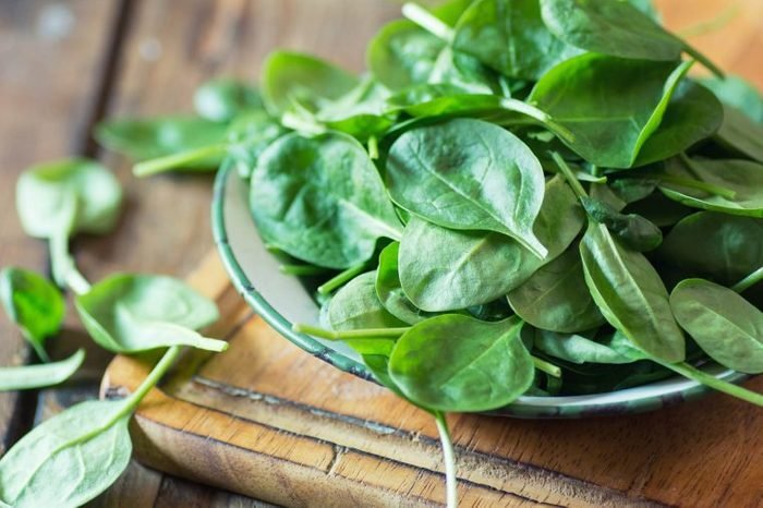 01_leafy_foods_to_never_put_in_blender_