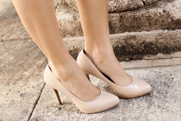 02-slip-outfit-tricks-fake-longer-legs
