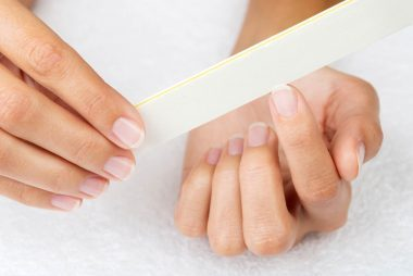 02 File Simple Ways To Strengthen Finger Nails