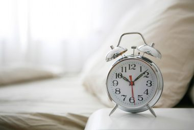 03_alarm_ways_to_clean_up_sleep_habits_