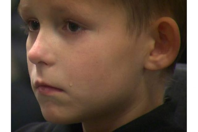 04-this-army-specialist-surprised-boy-military-honor