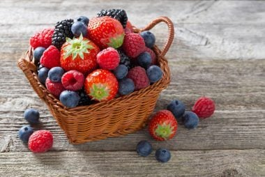 06-berries-the-50-best-healthy-eating-tips
