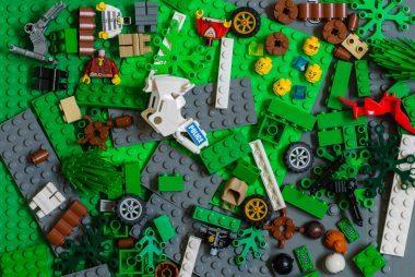 08_Lego_Busy_box_