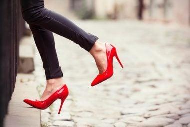 09-pick-outfit-tricks-fake-longer-legs