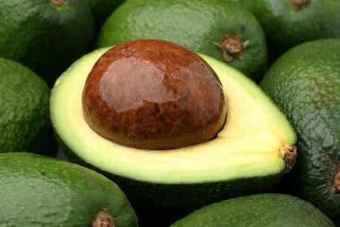 09_avocado_fresh_foods_never_store_together_