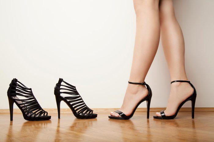 12-say-outfit-tricks-fake-longer-legs