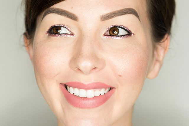 gorgeous-eyeliner-looks-beyond-basic-black-keiko-groves-glow
