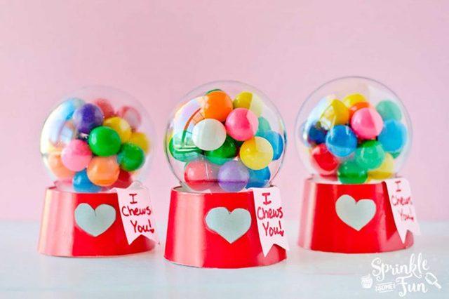 these-adorable-bubblegum-machine-valentines