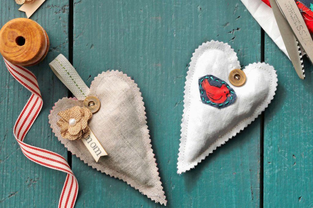 """Craft Old Pieces of Fabric into Scented Sachets that Say """"I Love You"""""""