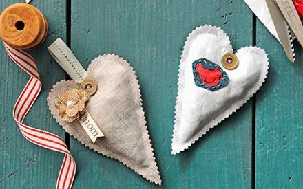 Turn Old Fabric into Pretty Scented Sachets for Valentine's Day