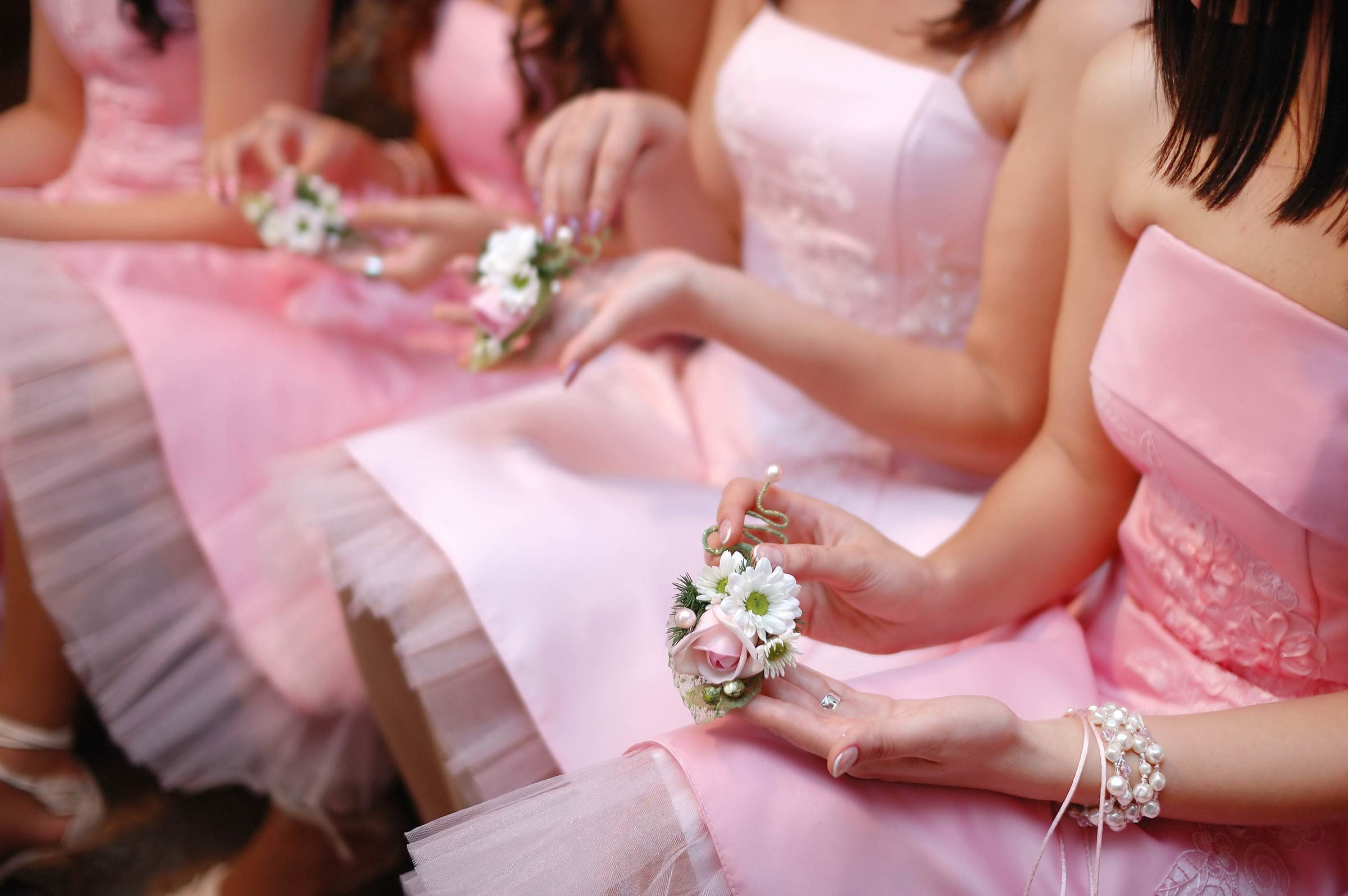 Wedding Gifts From Groom To Bride Etiquette: Bridesmaid Etiquette: How To Be A Good Bridesmaid