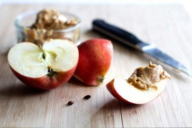 05-apple-What-Fitness-Instructors-Actually-Eat-and-Drink-488662823-vaphotog