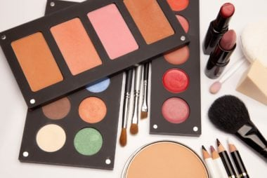 05_solid_tips_for_packing_beauty_