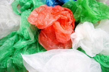 07_plastics_tips_for_packing_beauty_