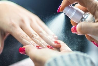 08-rehab-Things-You-Should-Know-Before-Getting-a-Gel-Manicure-503392296-gilaxia