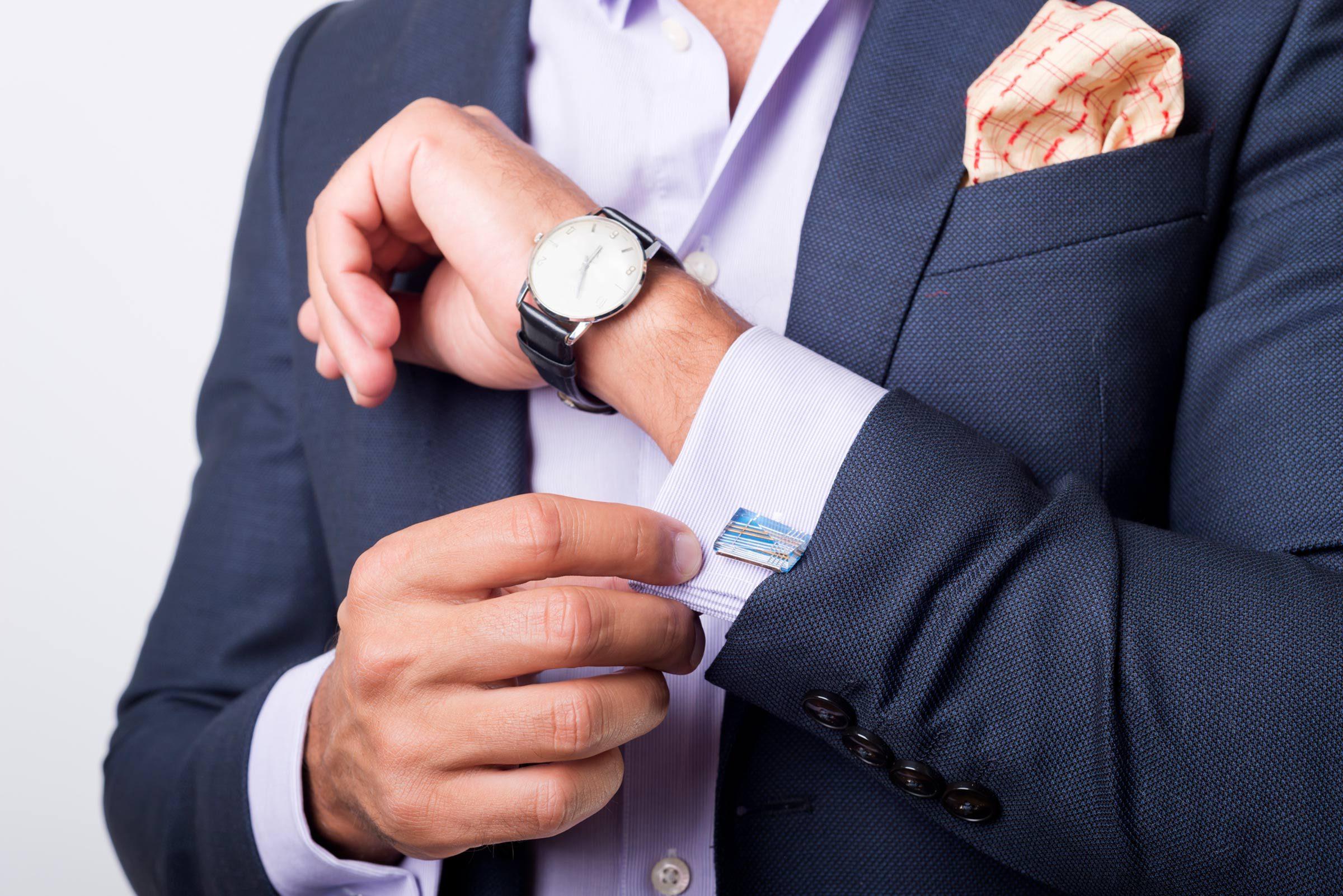 09-budget-wedding-dress-codes-explained-513573643-milosljubicic