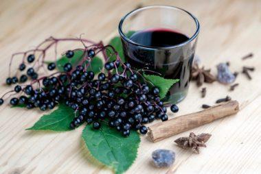 09_Elderberry_Immune_boosting_foods