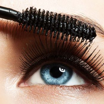 The $11 Drugstore Mascara Top Makeup Artists Can't Stop Buying