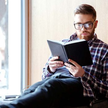 8 Easy (and Scientifically Proven!) Ways to Look Smarter