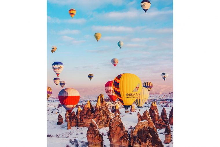 01-Photographer-Captures-the-Most-Breathtaking-Air-Balloon-Shots-You'll-Ever-See